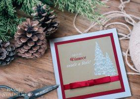 Vianočná pohľadnica handmade kraftová so stromčekmi