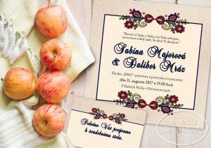 folklorne svadobne oznamenie s farebným ľudovým ornamentom