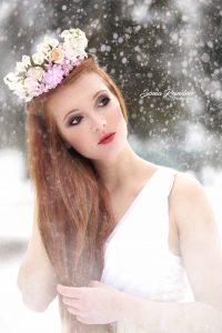kvetinová svadobná parta bielo ružová