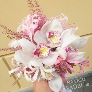 svadobná kytica biela ružová s orcjideami