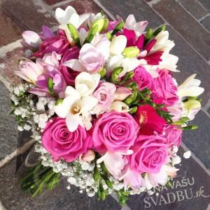 svadobná kytica ruže ľalie bielo ružová