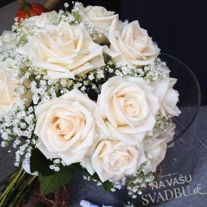 svadobná kytica ruže púdrová ružová