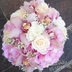 svadobná kytica ružové orchidee