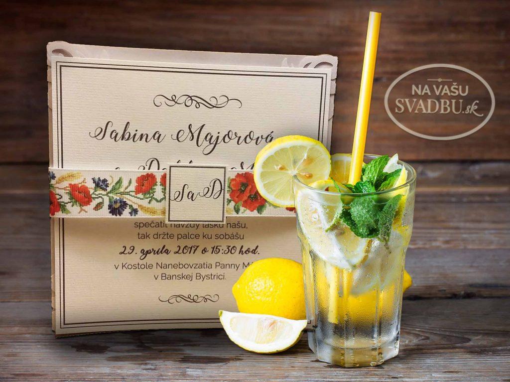 svadobne-oznamenie-vyrezavane-folkove-so-stuzkou-s-makmi-vnutro