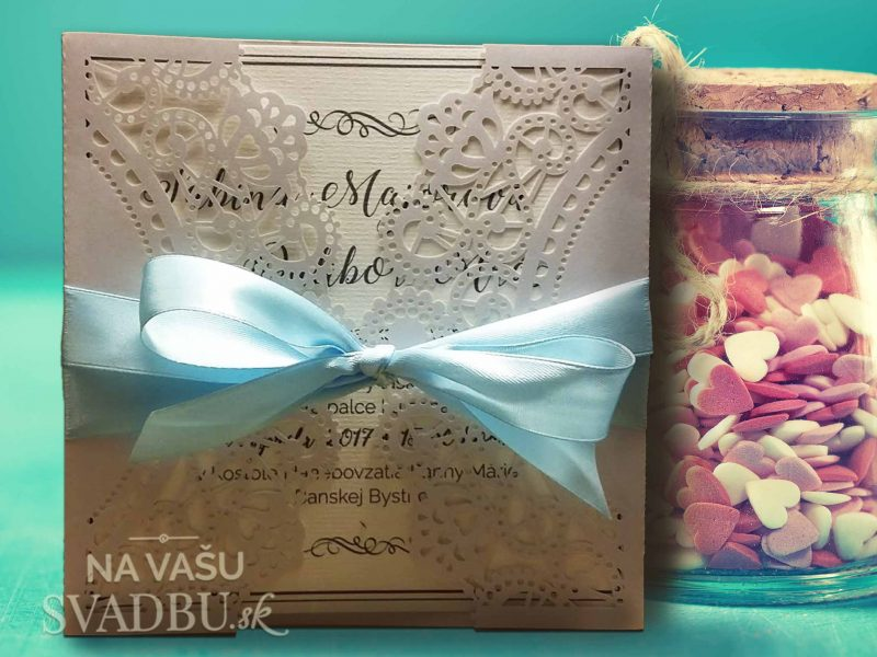 vyrezavane-svadobne-oznamenie-basic-s-pastelovo-modrou-stuzkou