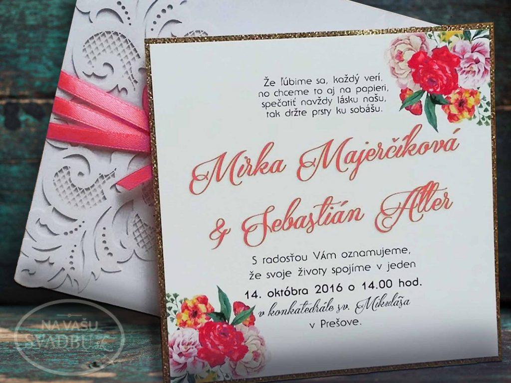 vyrezavane-svadobne-oznamenie-s-kvetinovou-kartickou-a-lososovou-stuzkou-vnutro